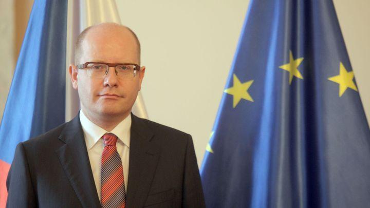 Řecký dluh by neměl být odepsán, řekl premiér Sobotka