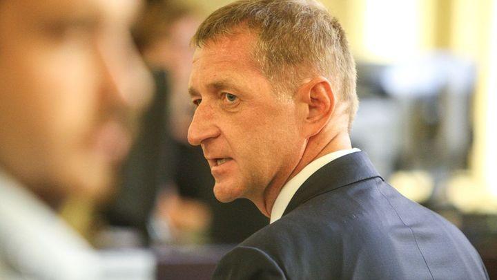 Ministryně Benešová se zabývá pobytem odsouzeného lobbisty Janouška v Alpách