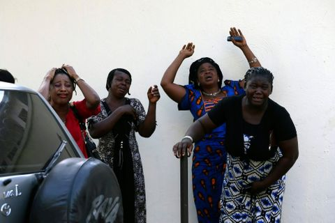 Po explozi poškozeného ropovodu se v jižní Nigérii pohřešuje přes 50 lidí.