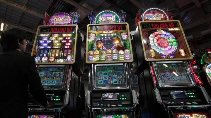 Babiš změkčil boj proti hazardu. Bál se, že vybere méně daní