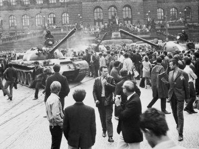 Po střelbě do muzea se chodník přede mnou zbarvil do ruda, říká o 21. srpnu 1968 bulharský svědek