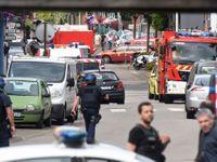 Ozbrojenci podřezali v kostele kněze. Hollande: Není pochyb, že byli z IS