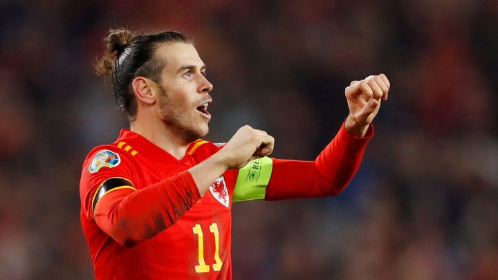 Češi patří mezi 10 nejlepších reprezentací, říká kouč Walesu. Soupeře velebí i Bale