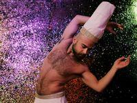 Obrazem: Tanečník v klubu i restaurátor. Podívejte se na život tří migrantů v Berlíně