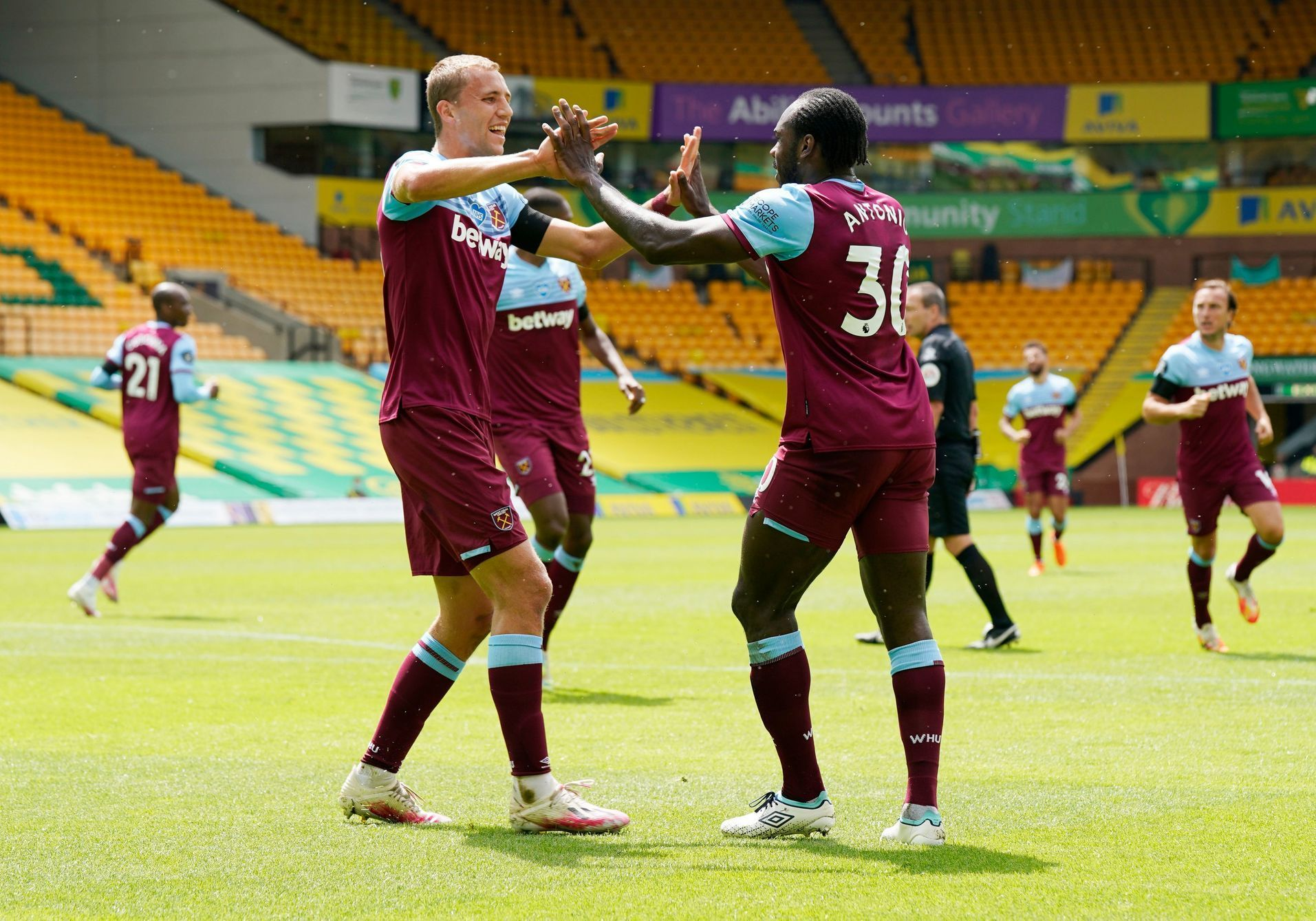 Premier League - Norwich City v West Ham United