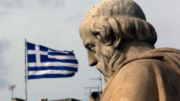 Řecká vláda bere peníze městům a krajům. Ty se bouří