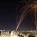 Při palestinském raketovém útoku na Tel Aviv zemřela žena. Rakety míří na bytové domy
