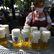 Na pivo jako před covidem: Německo zmírňuje pravidla pro očkované, týká se to i Čechů