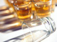 Lékař: Češi dost pijí. Metylkauza nezačala na Moravě náhodou