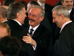 Civic Democrats - Head of the Senate Přemysl Sobotka and PM Mirek Topolánek jubilant about Klaus´ re-election