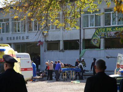 Online: Útočník z krymské školy nenáviděl učitele, říká jeho spolužák. Zabil 17 lidí