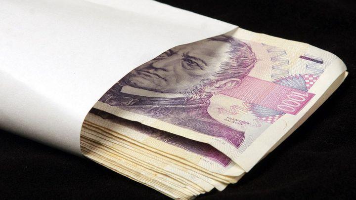 Osobní příplatek nelze sebrat kvůli úsporám, rozhodl soud
