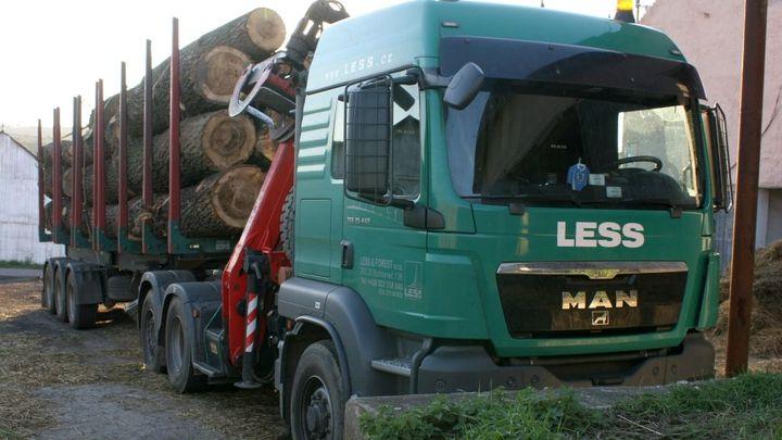 Soud poslal do konkurzu další Mičánkovu firmu Less & Timber