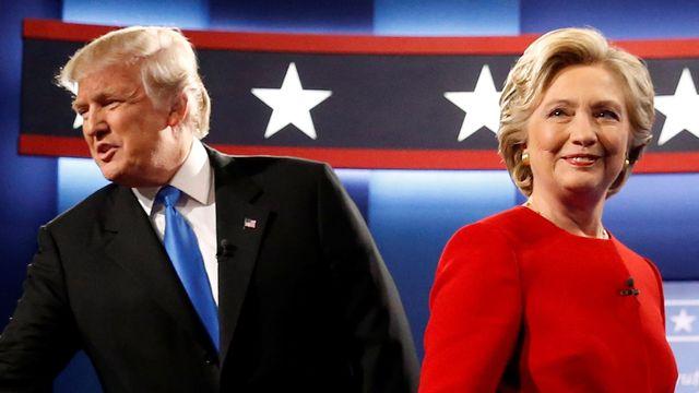 Donald Trump a Hillary Clintonová na podiu 69082afd3a7