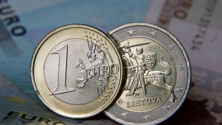 Litva začíná platit eurem. Chce udělat krok na Západ