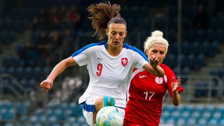 Kapitánka ženské fotbalové reprezentace Voňková ve 29 letech ukončila kariéru