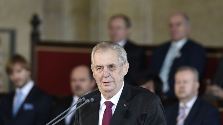 Zeman oslaví uvedení do funkce koncertem na Hradě, pozval tisíc svých příznivců