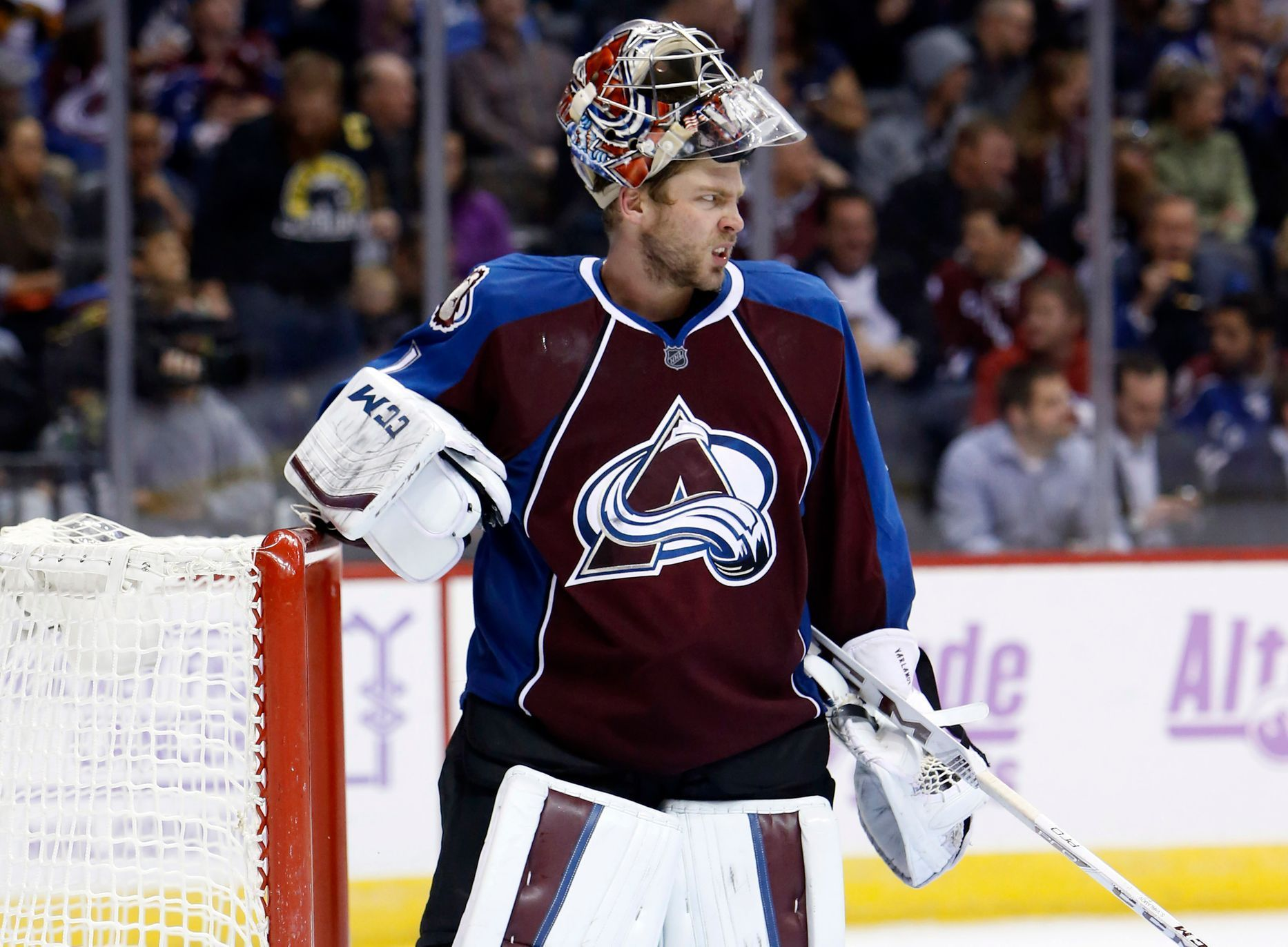 NHL: Vancouver Canucks vs. Colorado Avalanche (Varlamov)