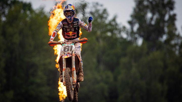 Nebezpečný karambol. Motokrosové hvězdy se při posledním skoku srazily ve vzduchu; Zdroj foto: Red Bull Content Pool