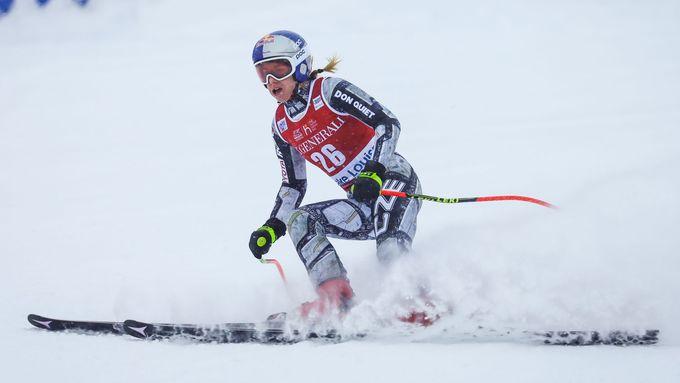 Ledecká skončila těsně pod stupni vítězů, sjezdu opět dominovaly Švýcarky