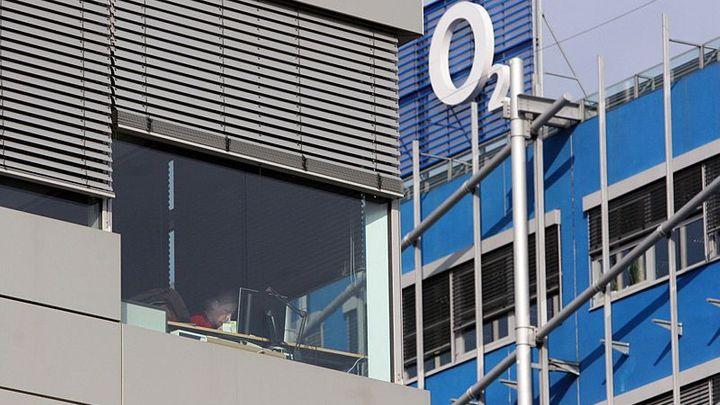 Akcionáři O2 schválili půjčku až 24,8 miliardy pro PPF