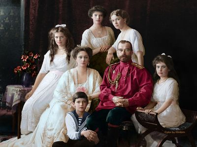 Foto: Car na lodi i s celou rodinou. Nahlédněte do unikátní sbírky barevných fotografií Mikuláše II.