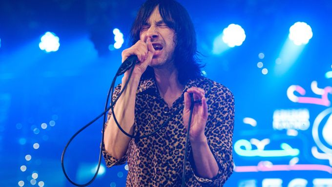 Primal Scream - Where The Light Gets In