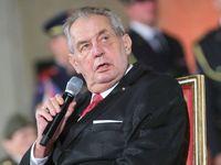 Prezident Zeman zahahuje dovolenou, stráví ji v Lánech i na Vysočině