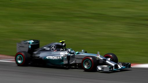 Mercedes Formula One driver Nico Rosberg of Germany drives during the Canadian F1 Grand Prix at the Circuit Gilles Villeneuve in Montreal June 8, 2014. REUTERS/Chris Watt