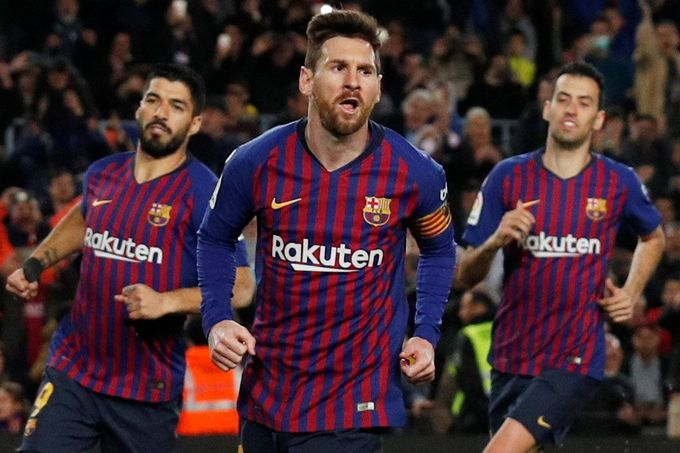 Soccer Football - La Liga Santander - FC Barcelona v Rayo Vallecano - Camp Nou, Barcelona, Spain - March 9, 2019  Barcelona's Lionel Messi celebrates scoring their second