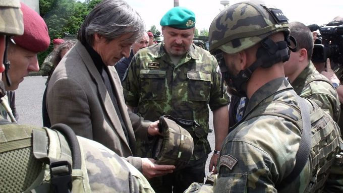 Defense Minister Stropnicky during his inspection