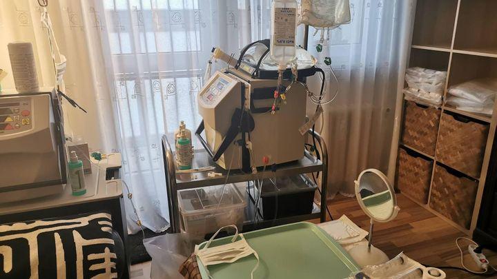 Odmala má vážné problémy s ledvinami. Teď si ostravský mladík čistí krev sám doma
