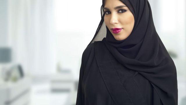 eab4003e348 Nosit do práce islámský šátek  Zaměstnavatel to může zakázat ...