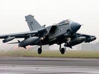 Živě: Teroristy musíme zasáhnout přímo do srdce, řekl Cameron