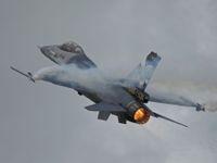 Belgický mechanik omylem vystřelil ze stíhačky. Zasáhl letoun F-16, který stál opodál