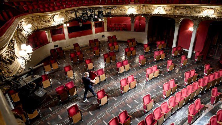 Od 8. června mohou divadla či kina hrát pro 500 lidí bez rozestupů v hledišti