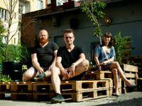 Umělci v Praze zvelebují bývalou čokoládovnu. Chátrající dům i tak čeká demolice