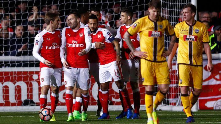 Moped proti raketě. Sutton srdnatě vzdoroval Arsenalu, prohrál jen 0:2
