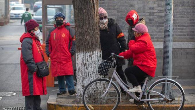 Nakažených rychle přibývá, čínské úřady kvůli novému viru prodloužily novoroční volno