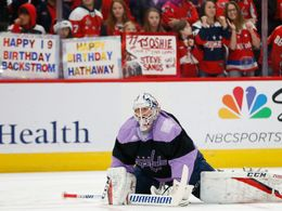 Braden Holtby v rámci kampaně Hockey Fights Cancer, nhl 2019/2020