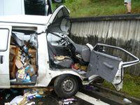 Srážku auta s kamionem na tahu na Vídeň nepřežila žena