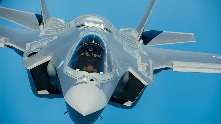 Američané dočasně pozastavili lety stíhaček F-35, čeká je kontrola