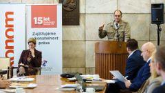 Česko v době dluhů: Daniel Hůle
