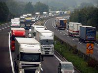 Dálnici D1 u Brna ve směru na Vyškov uzavřela hromadná nehoda