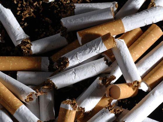 velká blondýnka kouření velký penis pro dospělé