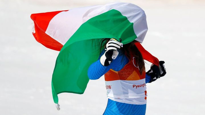 Goggiaová je královnou olympijského sjezdu, Vonnová má bronz