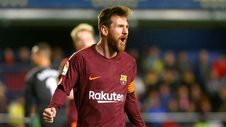 Barcelona zvítězila ve Villarrealu a znovu vede o pět bodů. Skórovali Suárez a Messi