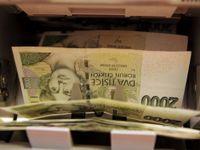 Proč mzdy v Česku nerostou víc? Stát si bere nadprůměrně moc, ukazuje porovnání zemí