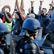 Francie zakročila proti blokádě rafinerie. Demonstrace mohou narušit i fotbalové Euro