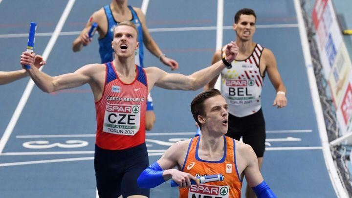 Čeští běžci mají evropské stříbro. Ve štafetě nestačili jen na Nizozemce
